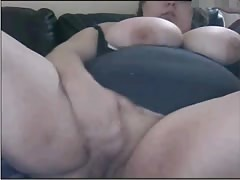 Nerdy BBW Teen Masturbating