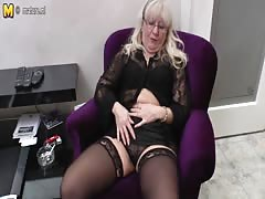 Nerdy mature mother needs a good fuck